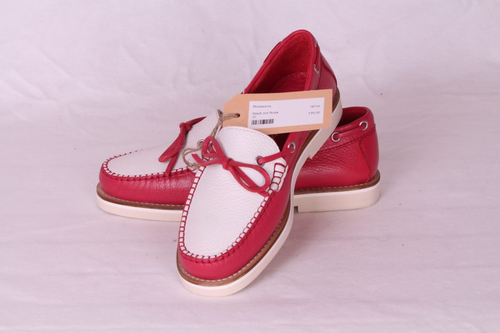 Schuhe und Halbschuhe günstig.
